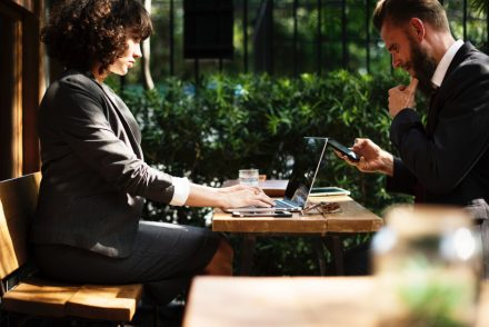 microempreendedores trabalhando